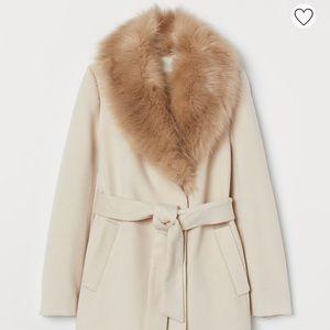 H&M Light Beige Faux Fur Collar Coat 2